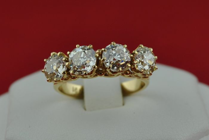 Exclusive Antique Diamond Engagement Ring with 4 'Old European cut' Diamonds Total +/-3.00CT set on 18k Yellow Gold - E.U Size 53*Re-sizable
