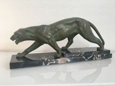 Panther - Art Deco sculpture made of regule