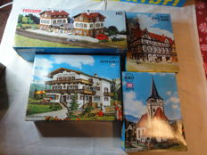 Vollmer H0 3506 - Kibri 8038, 9772, 8400 half-timbered houses and cottages with a station