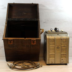 Amplificeur projector Debri 16 in wooden packing box