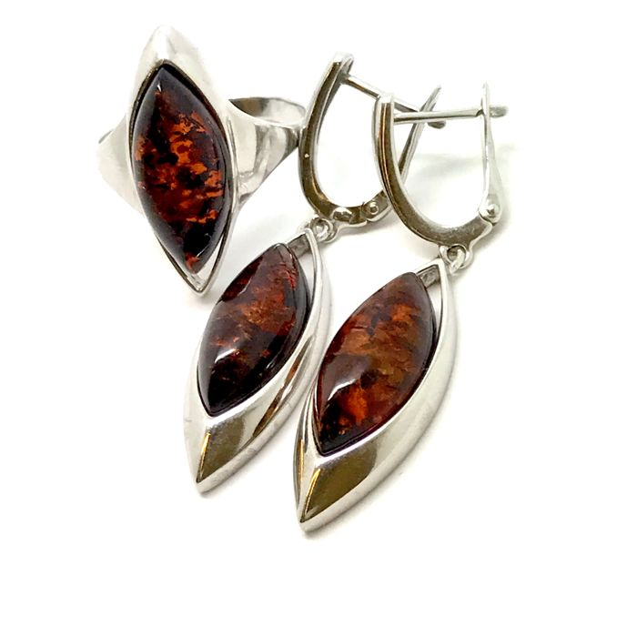 Sterling silver 925 set with natural Baltic amber : hanging earrings and ring  - no reserve