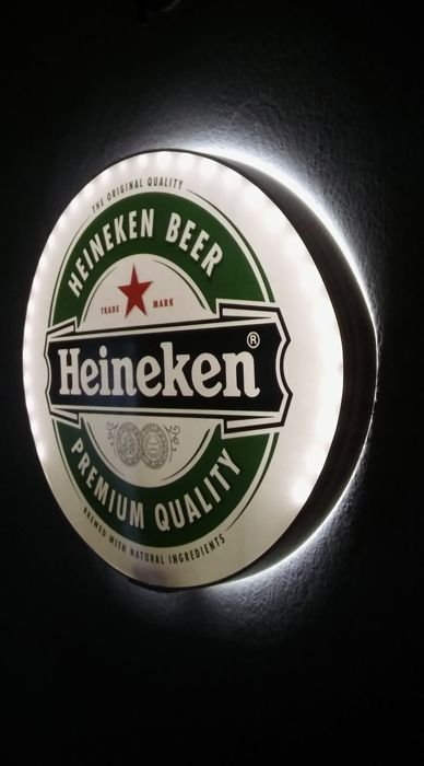 Gerard Adriaan Heineken from Amsterdam. Royal HEINEKEN. Mobile Light box LED - 3x 1.5V - battery. Eliptyczny 50/45 / 5cm. Small weight. Not used. 2015y.