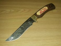 Beautiful Handcrafted Hunting Knife With Awesome Figures On Handle and Blade