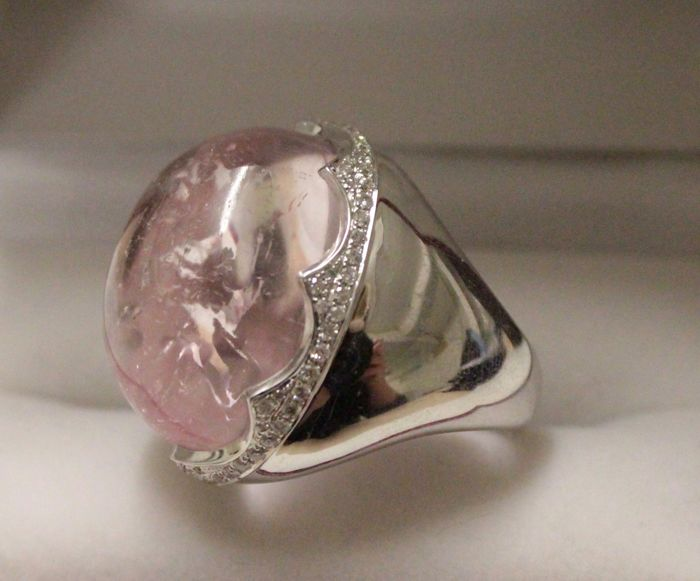 18 kt white gold ring with diamond and morganite, ring size 17.5