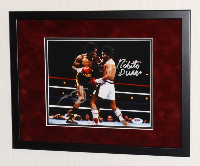 """Sugar"" Ray Leonard AND Roberto ""Hands of Stone"" Duran original DOUBLE signed Photo - Premium Frame + Certificate of Authenticity"