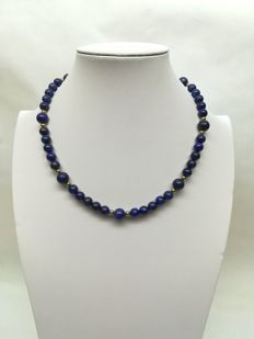 Lapiz – Lazuli Necklace with gold hoop clasp
