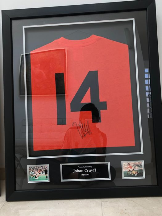 Framed jersey signed by Pelé (Brazil) with an A1 certificate and ...