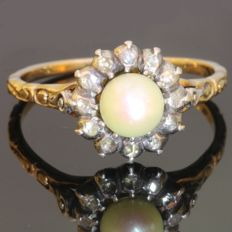 Elegant Typical Dutch antique style pearl and diamond ring.