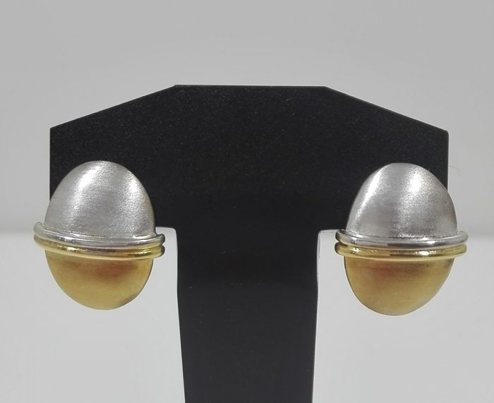 Earrings in bicolour 19.25kt gold (800). Weight: 5.96g – Size: 10.73mm