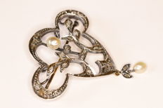 Art Nouveau brooch in 18 kt gold and silver set with pearles and rose cut diamonds
