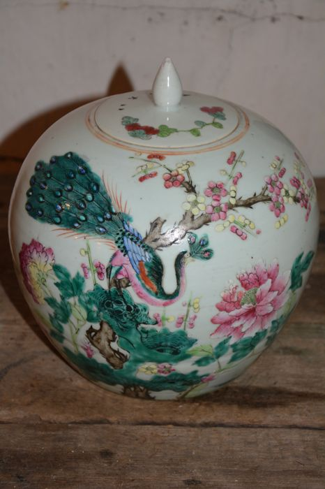 Fine famille rose ginger jar - China - ca 1920