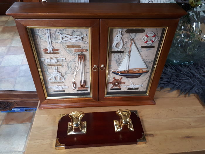 Large key cabinet with 2 dioramas and a maritime coat rack - Large Key Cabinet With 2 Dioramas And A Maritime Coat Rack - Catawiki