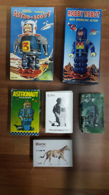 China - Robby Robot MS 427 + Astro Scout MS 399 + Astronaut Robot GMT 54 + Robot C-771 + Robot MS 372 + Horse Y 069