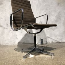 Charles & Ray Eames for Herman Miller – office chair, 'Alu Chair 108 / 109', Hopsack brown