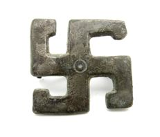 Ancient Roman Bronze Swastika Brooch / Fibula - 28 mm