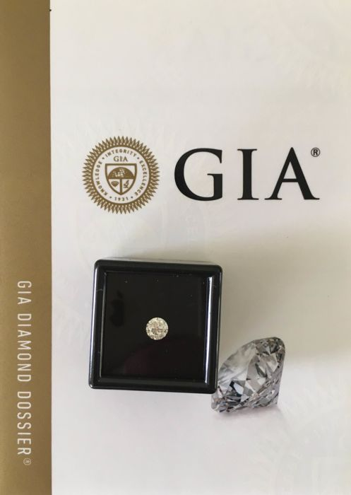 0.50 ct brilliant cut diamond D VVS2 GIA
