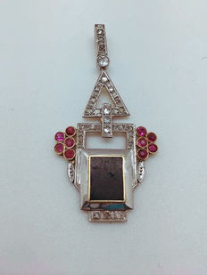 Art Deco pendant in 18 kt gold and platinum with natural diamonds, natural rubies and onyx