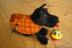 "Schuco, Western Germany - Length 13 cm - ""Tippy"" 990 dog with wind-up motor, 1950s"