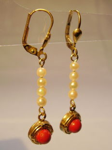 Antique gold earrings with Sardegna corals and Akoya pearls