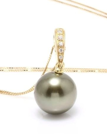 18K Yellow Gold Necklace Featuring 0.04Ct SI G Diamonds and a Lustrous Olive Green Tahitian Pearl - Authenticity Certificate