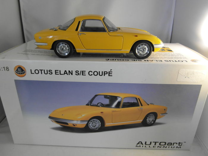 Autoart - Scale 1/18 - Lotus Elan S/E Coupé - Yellow
