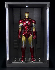 Bandai S. H. Figuarts - Iron Man 2 : Iron Man Mark VI - Hall Of Armour