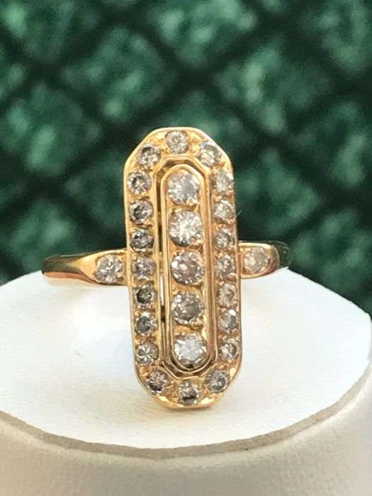Beautiful 18 kt yellow gold ring set with diamonds totaling for 1.10 ct, Top Wesselton, size 55 / 17.63 mm