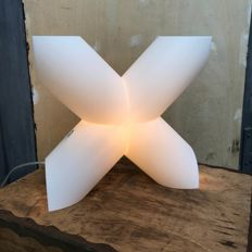 Designer Protocol Paris for Cosi Come - X design lamp - white.