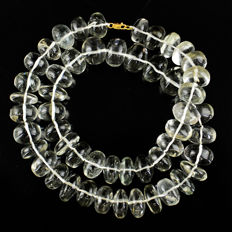Prasiolite necklace with 18 kt (750/1000) gold clasp, length 50cm