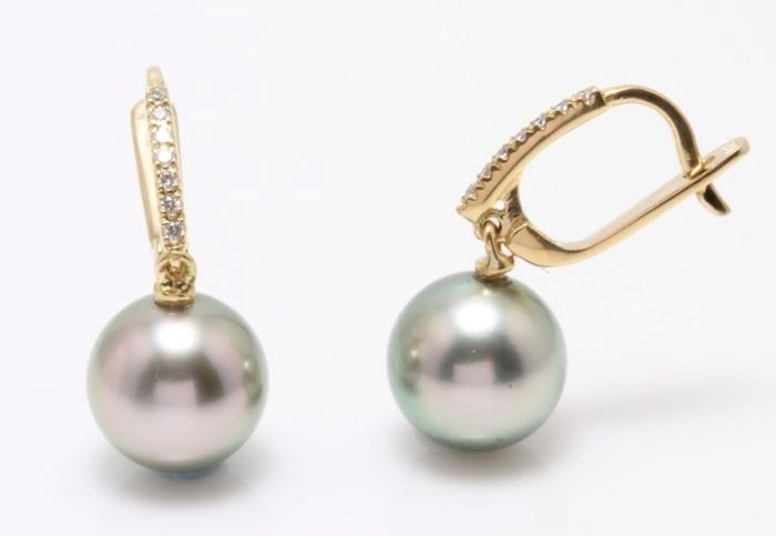 18K Yellow Gold Earrings Featuring 0.11Ct SI G Diamonds and Lustrous Tahitian Pearls - Authenticity Certificate Included