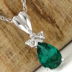 14kt White Gold 1.00 ct Emerald, 0.05 ct Diamond Pendant Necklace - 46 cm - *no reserve*