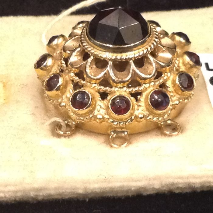 14 kt. Gold - Other Garnet
