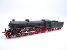 Rivarossi H0  - Class Gr746 steam locomotive with tender of the FS