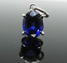 18 kt white gold, pendant, 1 sapphire oval-cut 2,20 ct , Weight: 1,20 gr.