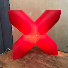 Designer Protocol Paris for Cosi Come - X design lamp - red.