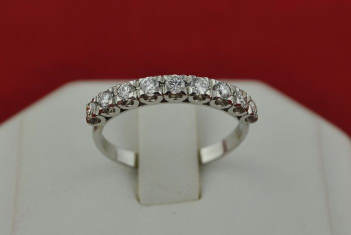 Diamond Ring with 9 Diamonds Total +/-0.45ct FG/VS in Half-setting on 18k White Gold - E.U Size 55*Re-sizable