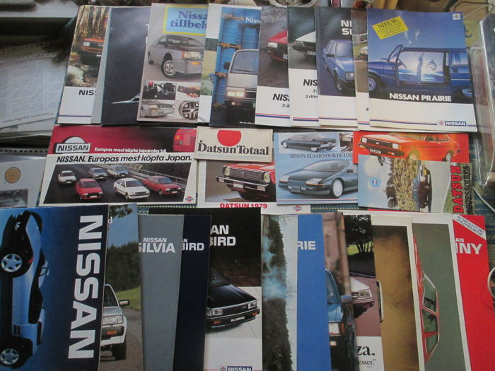 Car brochures (Nissan/Datsun, Netherlands/Sweden, 30 x, 1973-1988)