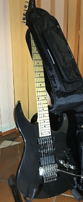 electric guitar yamaha rgx 321 dm 24 keys with double locking tremolo made in taiwan. Black Bedroom Furniture Sets. Home Design Ideas
