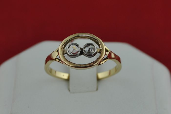 19th Century Antique Diamond Ring with Twin single cuts Tot. +/-0.20CT set on 18k Yellow Gold