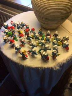 Collection 70 Smurfs - good condition