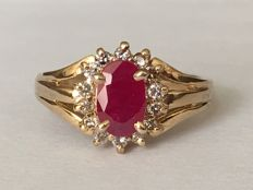 【No Reserve Price】18 K/ gold, 1.21 ct Ruby ,0.28 ct side diamonds, ring size: 17/ 17 mm internal diameter,  Weight: 2.6 g (approx.).