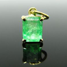 18 kt Yellow gold, pendant, 1 emerald octagonal-cut 1,90 ct   +++ NO RESERVE PRICE +++ Weight: 1,20 gr.