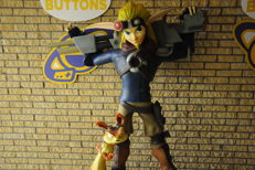 Jak II Jak and Daxter Lifesize Statue Pick-Up Only