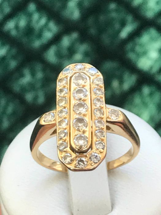 18 kt yellow gold ring set with diamonds totalling 1.10 ct - size 55 / 17.63 mm