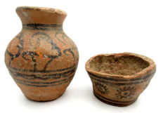 Pair of Indus Valley Painted Terracotta - cup and jar  - 67x39,67x81mm - (2)