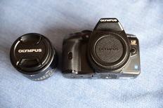 Olympus E-620 Kit with lens Zuiko Digitaal ED 14/42mm, incl. HLD/5 battery grip , Metz flash 58AF-1, extra telephoto lenses and Zuiko EC-2- teleconverter