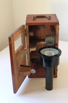 Hand-bearing compass with prism in its original box - c. 1920