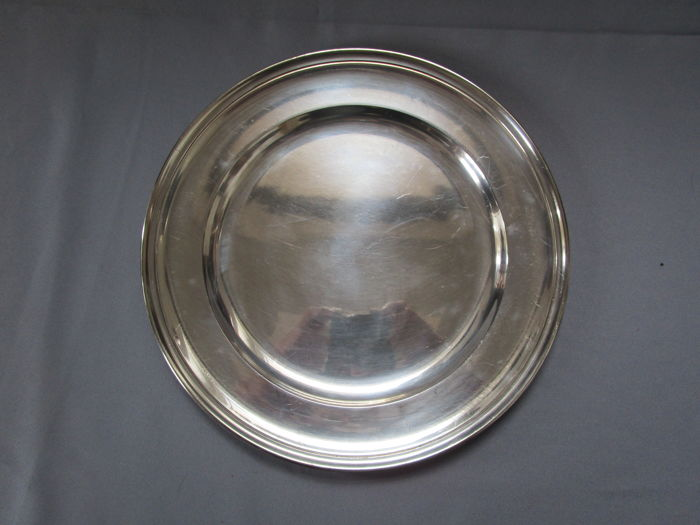 Pierard France - large plate 34 cm - 52 grams silver-plating - 1.110 Kg - 1st half of the 20th century - marked