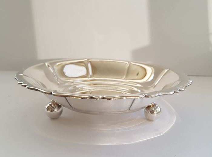Art Nouveau - silver plated bowl on a sphere base