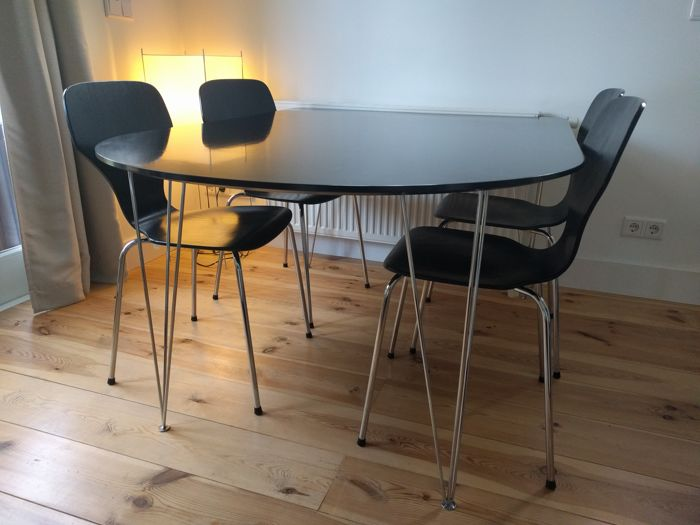 Design Dining Room Table And Four Phoenix Chairs Denmark Late Th - Dining room table for four
